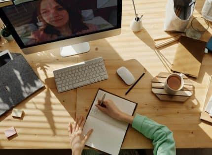 Pourquoi faut-il intégrer l'assistance vidéo à votre CRM ?