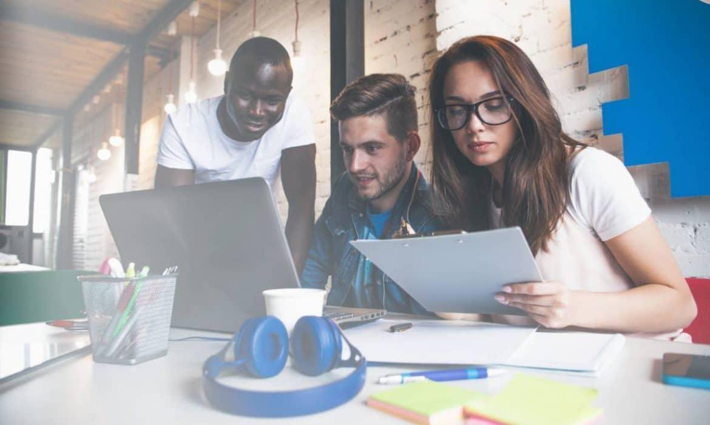 Comment bien choisir son école pour faire des études dans le marketing digital ?