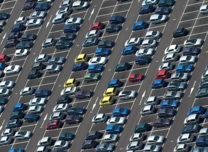 La nouvelle tendance des parkings d'aéroports connectés